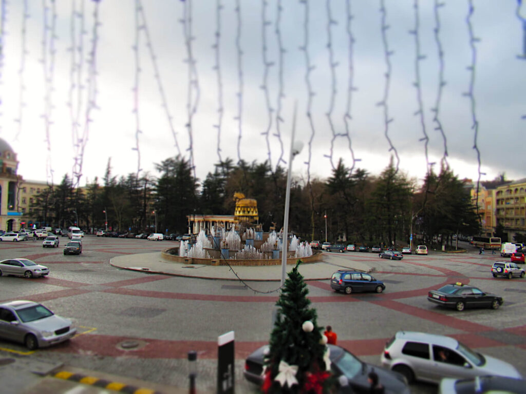 The Colchis Fountain is basically a very equisite roundabout in central Kutaisi! The fountain/roundabout is in the middle of the picture, and many cars drive round. The road is wide and cars often drive up to four abreast!