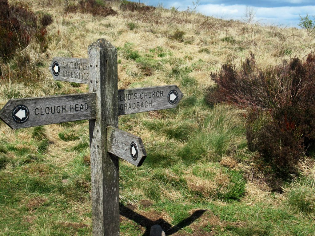 Head right to reach Lud's Church and keep walking!